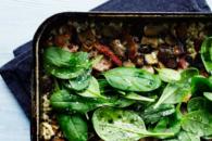 Bagt risotto med svampe og bacon