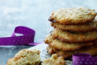 Cookies med hvid chokolade og peanuts