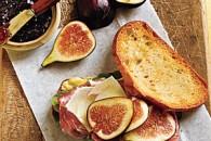 Jamies Sandwich med skinke, figen og basilikum
