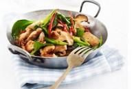 Kylling i østerssauce med shitake svampe & spinat